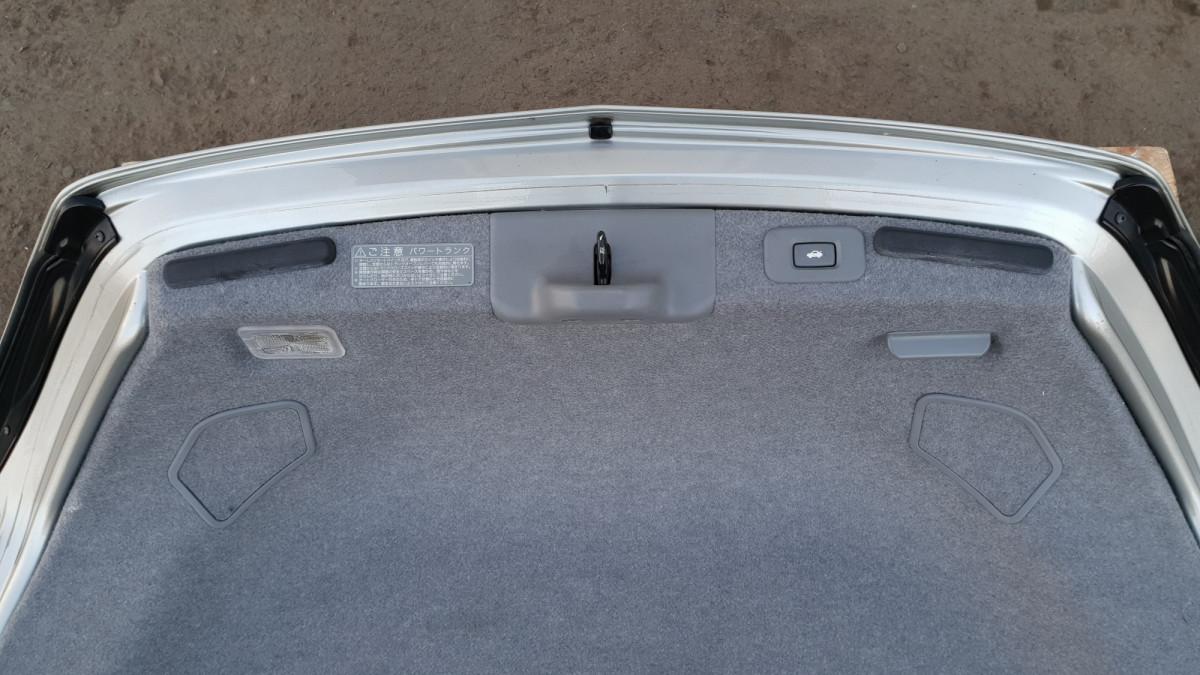 Крышка багажника Honda Legend KB2