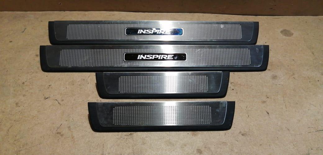 Накладки порогов салона Honda Inspire UC1